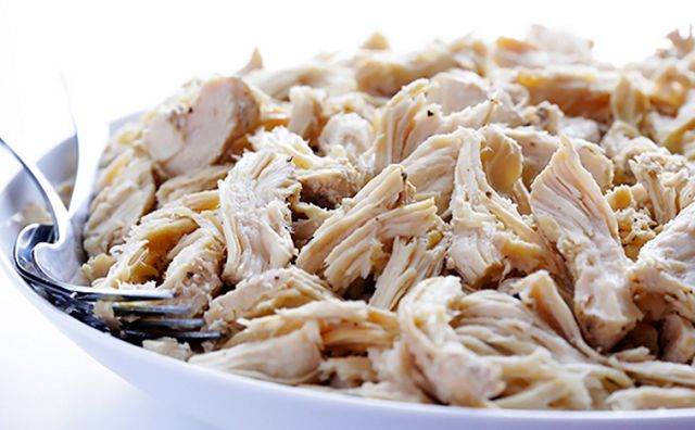 The Easiest Shredded Crockpot Chicken | Weight Watchers Recipes