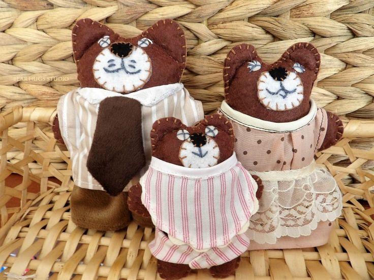 Teddy Bear Miniatures, Bear Family, Dolls House Figures, Felt Characters, Bears, Papa, Mama & Baby Bear, Nursery Decor by BearHugsStudio on Etsy. Buy teddy bears online au #teddy #bears #felt