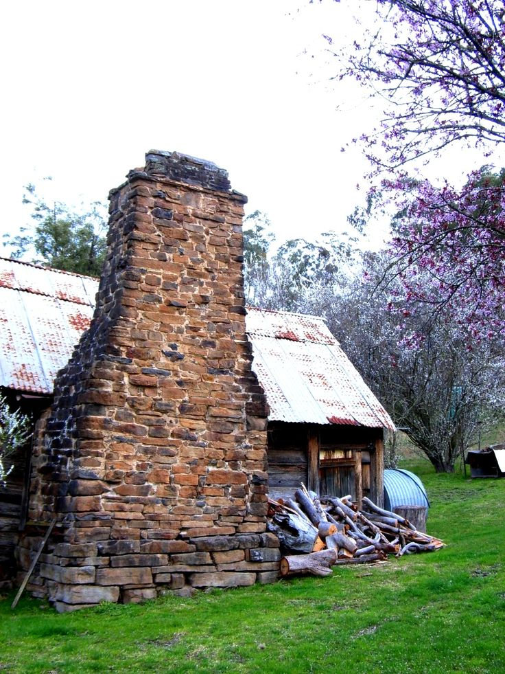 Old House - Dargo - East Gippsland - Photo by Carin Poeschel-Livingstone