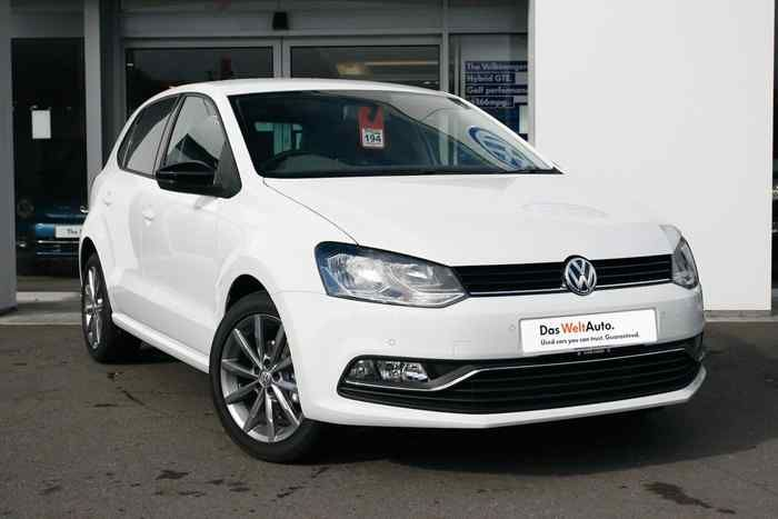 Pure White  Volkswagen Polo MK5 Hatchback 5-Dr