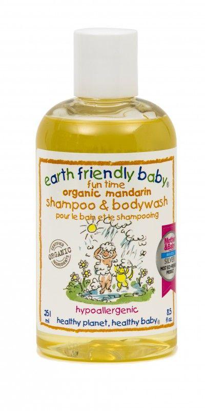 Een handige Shampoo & Bodywash in 1. Voor een zachte verzorging van de gevoelige babyhuid. De natuurlijke ingredienten voeden het haar en de huid van de baby optimaal. Het biologische mandarijn extract werkt verfrissend en activerend.