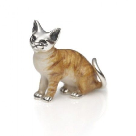 This is a beautiful sterling silver Kitten Brooch. Made even more adorable with the fine detailed enamelling. Purrrrrrr-fect for a Mother's Day treat.