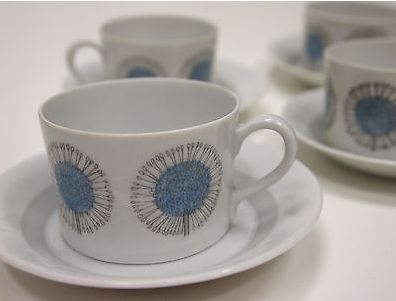 Arabia 4 hand painted Maikki cups and saucers by Esteri Tomula (Finland).