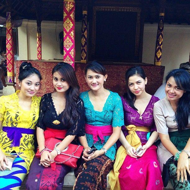 Pusat Baju Batik Di Bali: 17+ Best Images About Kebaya Bali On Pinterest