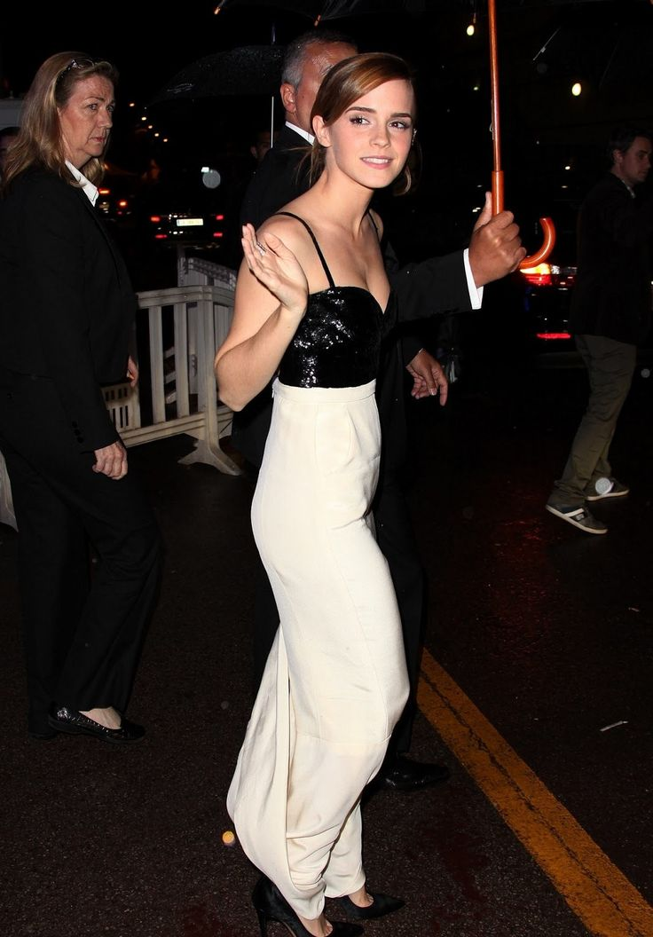 Emma Watson image from CelebrityPeach.com