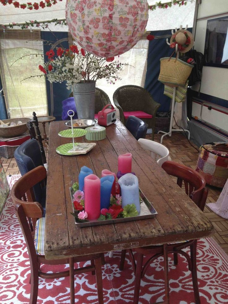 Opklapbare tafel in de voortent