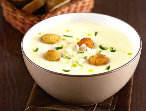 Рецепт Суп-пюре из цветной капусты с сырными шариками. Приготовление   блюда