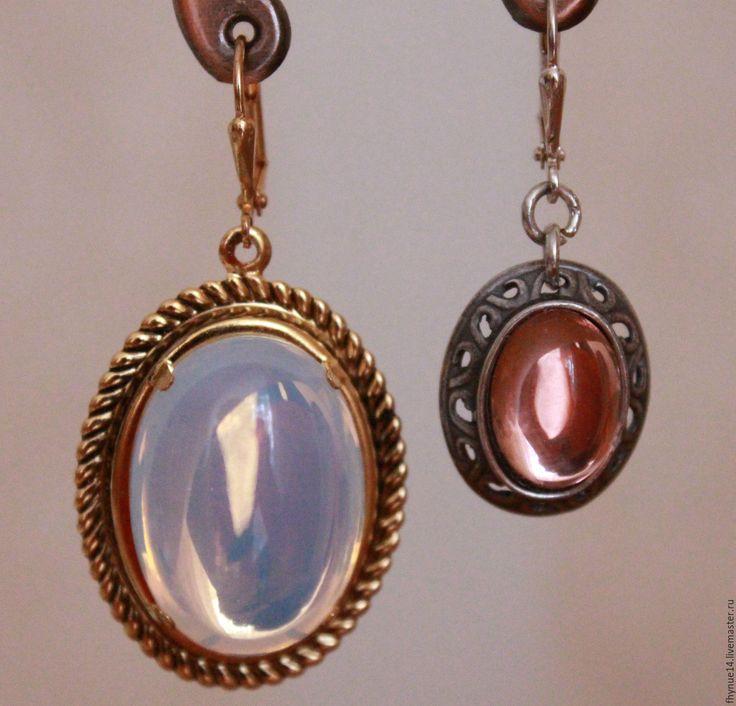 Купить РАСПРОДАЖА! Серьги по 700 р - комбинированный, чешское стекло, серебряный, золотой цвет