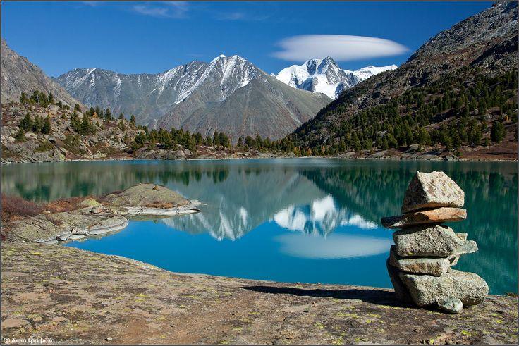 Озеро Дарашколь. Сибирь Россия