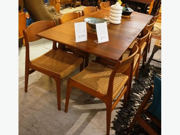 MID CENTURY TEAK DINING TABLE BY NILS JONSSON TROEDS SWEDEN (I-45437)