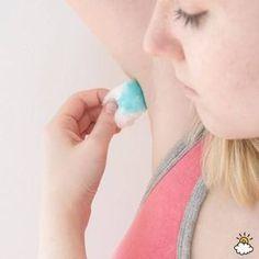 Sie schmiert sich Zahnspülung unter die Achsel. Minuten später? WOW! | LikeMag | We Like You