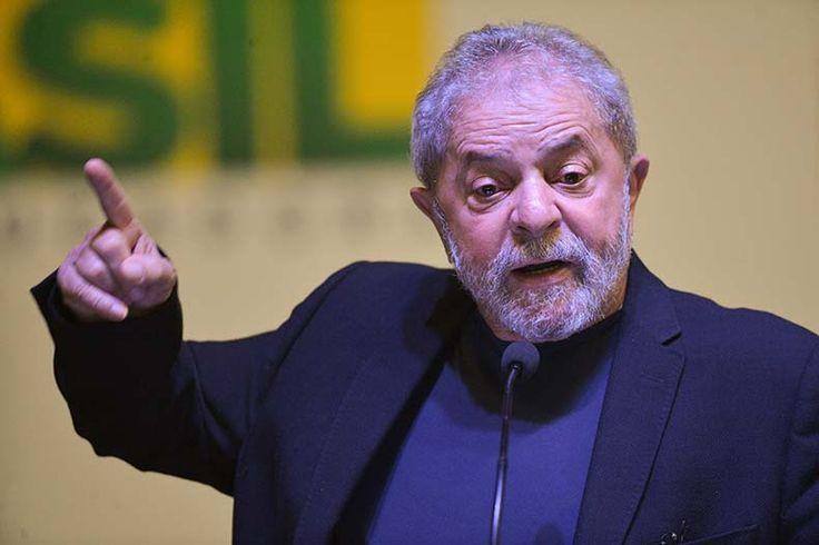 """PT lança cartilha em quatro idiomas contra """"caçada judicial"""" a Lula"""