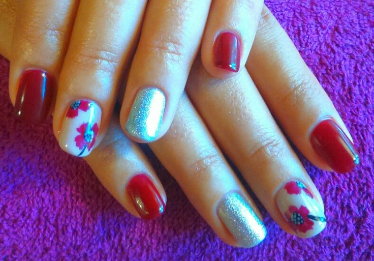 Poppy Bio Sculpture