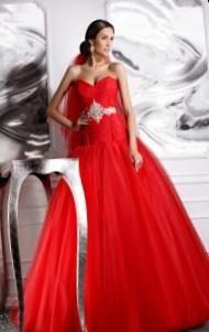 Красные свадебные платье - http://1svadebnoeplate.ru/krasnye-svadebnye-plate-3717/ #свадьба #платье #свадебноеплатье #торжество #невеста