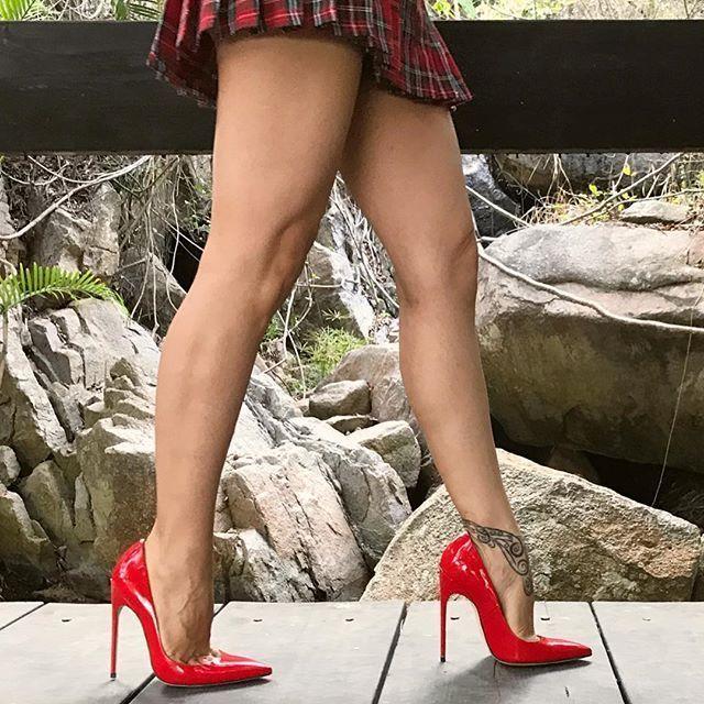 Atwood #highheelsstilettos #stilettoheelspumps #hothighheels