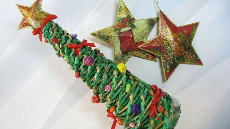 Como hacer un árbol de Navidad hecho con periódicos. Tree made with news...