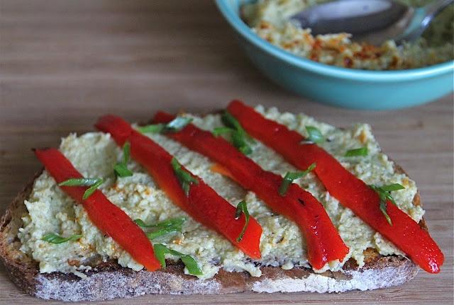Warm Roasted Garlic and Artichoke Dip/Spread   Recipe