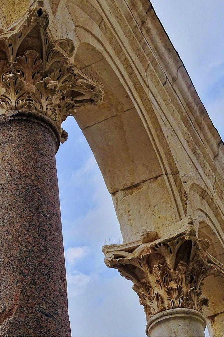 De oude stad van Split, in Kroatië, is echt een plaatje. Daar kun je dagen doorheen dwalen. Verdwalen is hier helemaal geen ramp. Bekijk alle tips over Split, Kroatië.