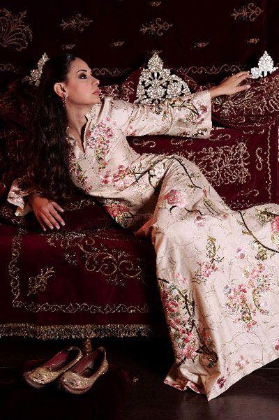 レシーバー刺繍のabayas 2013美しい刺繍のabayasカジュアル新しい現代のファッション2013を受け取る