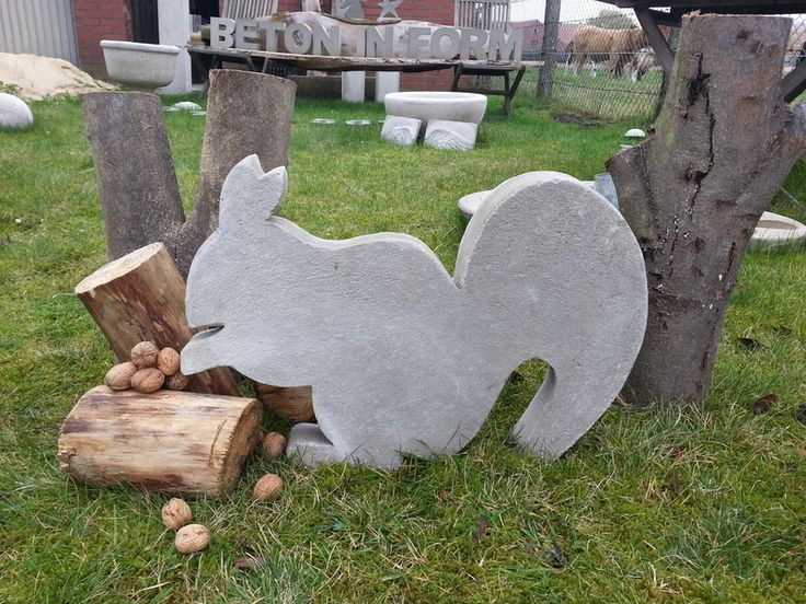 Beton Giessform -Eichhörnchen- Sooo süß! von Beton in Form auf DaWanda.com