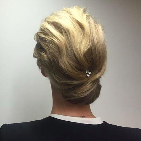 Vacker håruppsättning inför kvällens Nobelmiddag av vår Top Stylist Susanna @susannalindqvist  #style #hairstyle #nobel #nobelmiddag #nobel2015