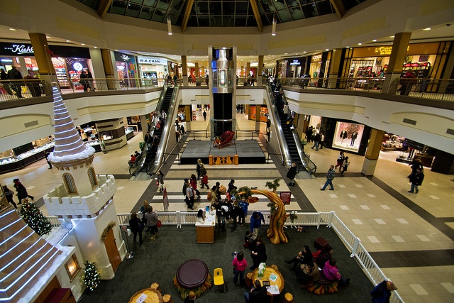 Polo Park by Nilo Manalo, via Flickr. Polo Park Shopping Centre is Winnipeg's largest mall. Manitoba, Canada