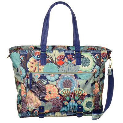 Oilily Carry All Lagoon Flowers (m. datorfack), Spiro Flowers i gruppen VÄSKOR, HANDVÄSKOR & RESVÄSKOR / Handväskor hos HouseofHedda.com (ClSFCarryAllLagoon6108)