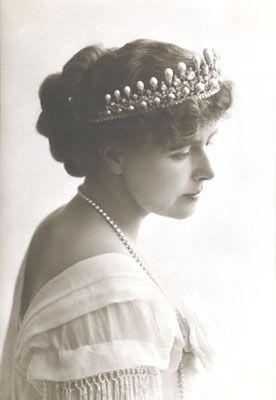 Queen Maria of Romania, one of Queen Victoria's granddaughters.  She was a writer/artist/decorator and over-the-top costumer!      http://www.tkinter.smig.net/QueenMarie/images/Marie.jpg