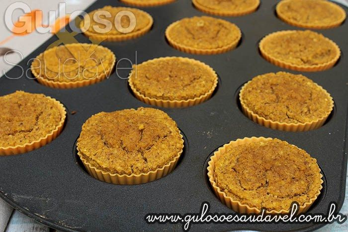 Este delicioso Muffin de Abóbora e Coco Sem Lactose e Sem Glúten é do jeitinho que gostamos, super fácil e rápido, perfeito para o café da manhã!  #Receita aqui: http://www.gulosoesaudavel.com.br/2015/10/30/muffin-abobora-coco-sem-lactosegluten/