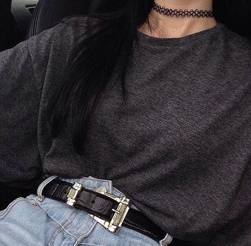have this choker and these jeans..just need the shirt
