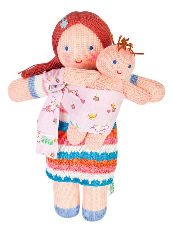 Freja Toys is a doll maker in the Ukraine and she designs the best handmade dolls!!