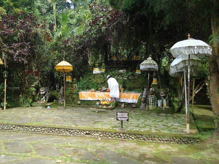 Pura Luhur Besikalung Tempat Wisata Baru di Bali - Bali