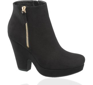Women's shoes boots booties fall winter 2013 2014 13 14 stiefel stiefeletten lace up platform plateau black flat loafers 90's revival metal heel leather dark red bordeaux deichmann graceland 5th avenue halle berry stacked heel buckled chelsea
