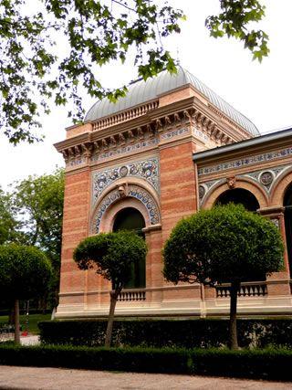 36. El Palacio de Velázquez (antiguo palacio de la minería) 1883. R. Velazquez Bosco.