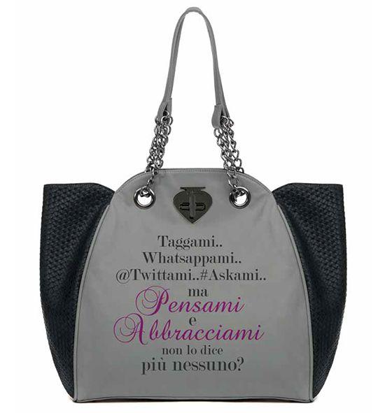 """""""Taggami, Whatsappami, Twittami, Askami... ma pensami e abbracciami non lo dice più nessuno?"""". Le Pandorine #bags #bag #words"""