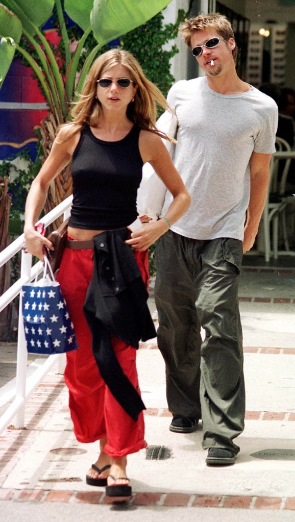 Jennifer Aniston & Brad Pitt in June 1999 shopping on L.A's ritzy Rodeo Drive
