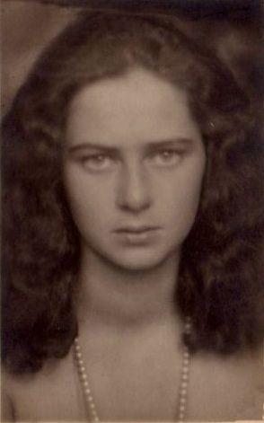 Princess Ileana of Romania, Archduchess