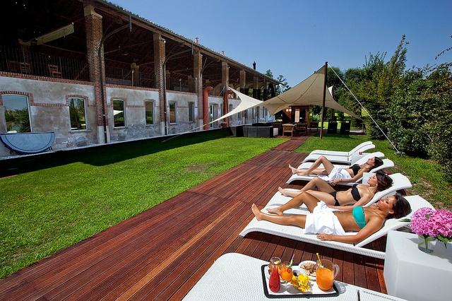 Un po' di relax vicini alla zona SPA della Cascina, con qualche cocktail a base di frutta