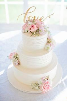 Love the simplicity, flowers but without the topper