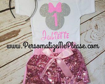 Cumpleaños de Minnie Mouse traje, traje de cumpleaños de las niñas, traje de cumpleaños de rosa y plata, pantalones cortos cumpleaños traje de lentejuelas