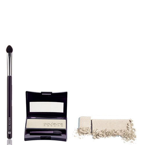 To realize step 4, you will need the Single Eyeshadow in Blanc Narcisse and the Foam-tip Brush. #makeuptips #yvesrocher