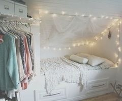Totally hate the cheesy lights but really like the way the room is set up with the closet in the corner.