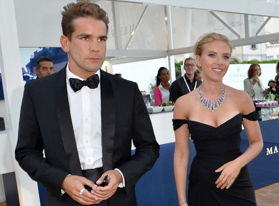 Scarlett Johansson Pregnant! Actress Expecting First Child With Fiancé Romain Dauriac   E! Online Mobile