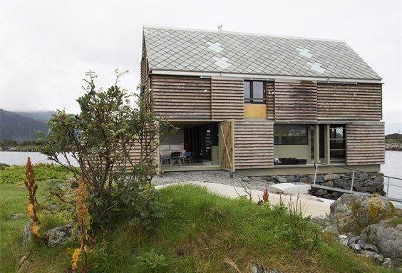 Holiday house, Sildegarnsholmen in Herøy (Møre og Romsdal). Architect: Knut Hjeltnes sivilarkitekter MNAL AS.