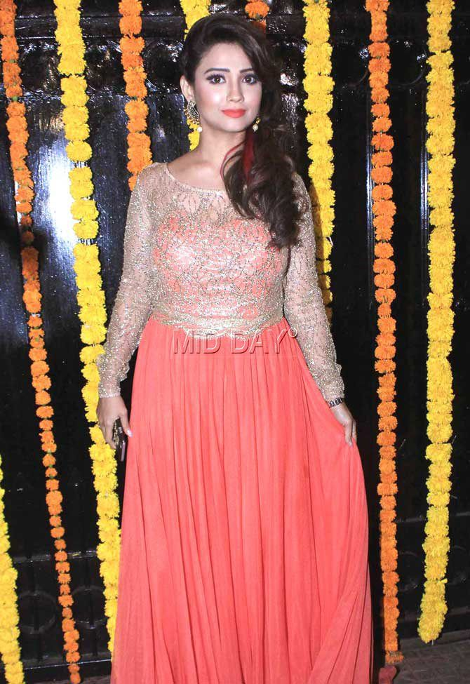 Adaa Khan at Ekta Kapoor's Diwali bash. #Bollywood #Fashion #Style #Beauty #Hot #Sexy #Ethnic
