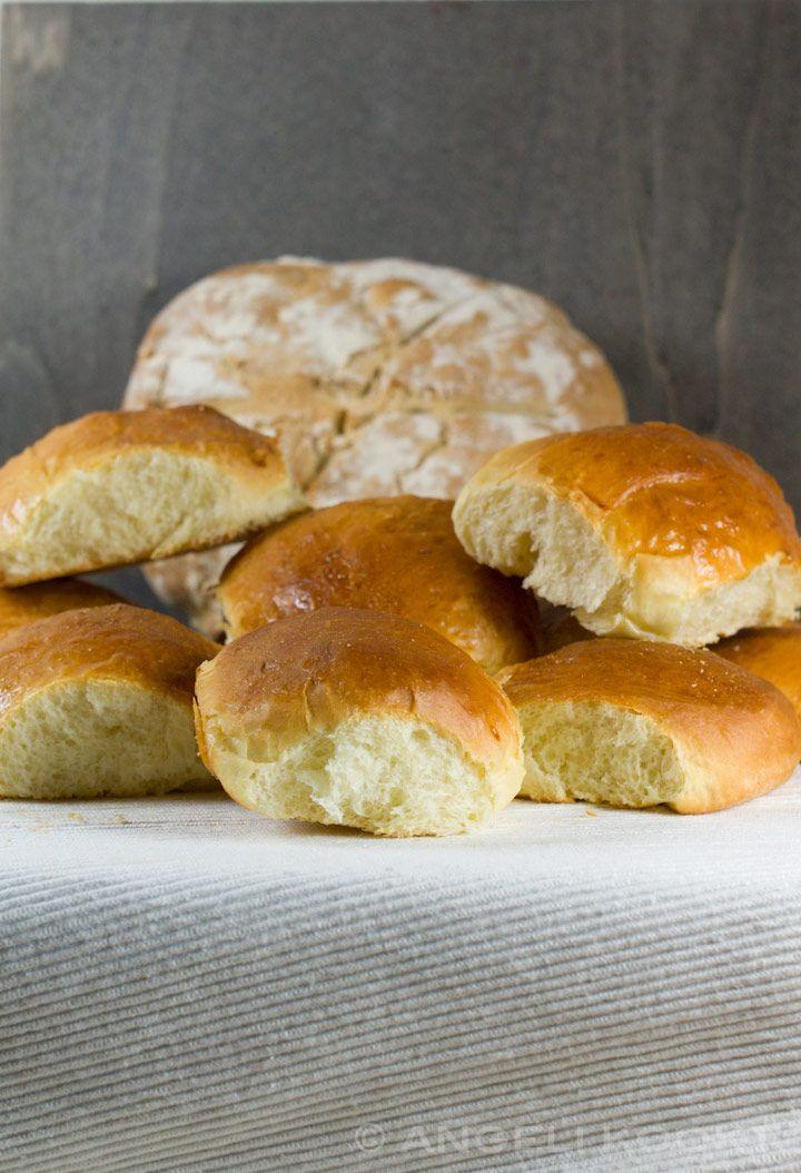Maak in het weekend zachte witte broodjes zoals bij de bakker. Weten hoe?