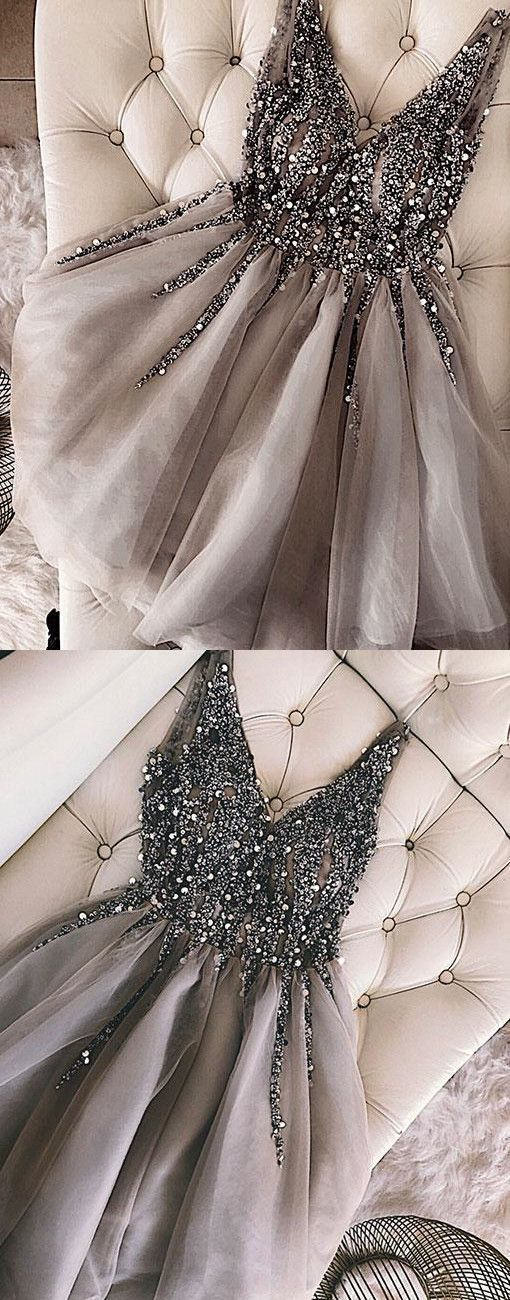 Luxurious Sequins Beaded V-neck Tulle Homecoming Dresses Short Gray Prom Dress For Birthday Party