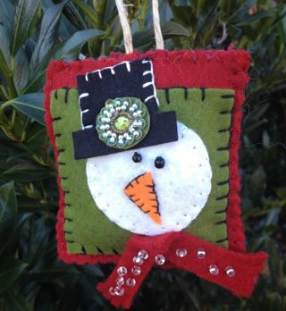 Beaded and Sewn Christmas Ornaments. These would be cute with doggie faces