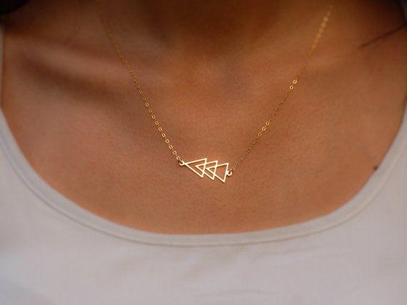 Gold gefüllt Dreieck Halskette, goldene Dreieck Halskette, Goldkette, winzigen Dreieck Halskette, geometrische Goldkette, geometrischen Dreieck