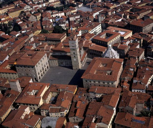 #Pistoia will be the Italian Capital of Culture in 2017! http://www.villapacinotti.it/site/index.php?option=com_content